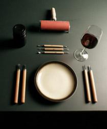 """»Tisch und Tuch« am 26 . 1 . 2012   im """" dasmöbel - Café """" / Liebesschwüre, politische Slogans, Nonsense auf Linoleum"""