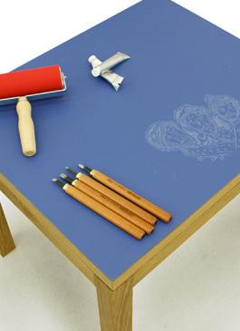 Lino Table